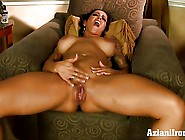 Buff Milf Takes Off Her Jean Shorts And Wife ...