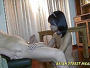 Young Thai Girl Likes To Be In Doggy Style Po...