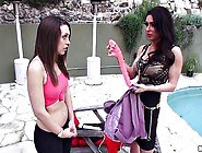 Horny Milf Jessica Jaymes Teaches Her Daughte...