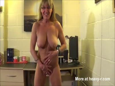 Mom Shows Her Tits