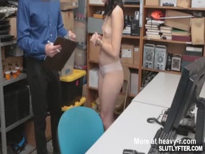 Pornstar suspect Violet show what she got