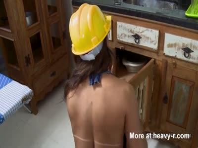 Sexy tranny plummer got her ass banged