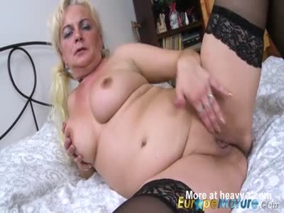 Plump Mature Toying Pussy