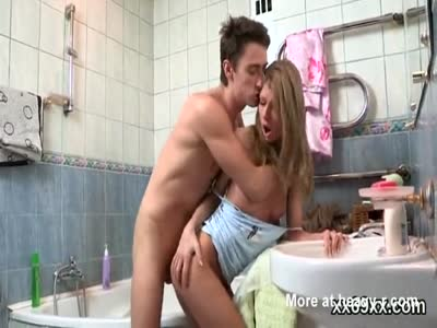 Skinny Girl Fucking In Bathroom