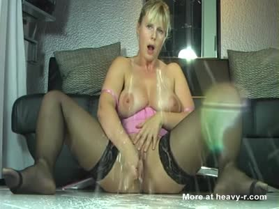 MILF Filming Herself Squirting