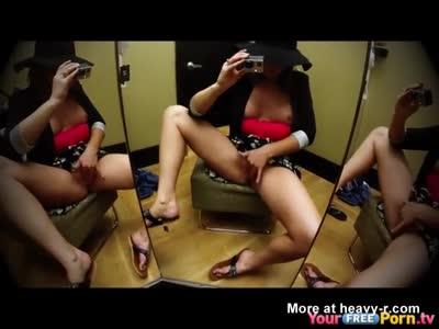 Teen Squirting On Mirror In The Mall
