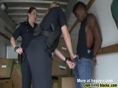 Gangster Fucking Female Cops