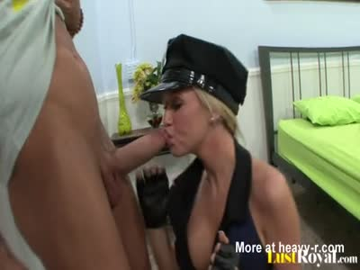 Policewoman Loves To Suck And Fuck