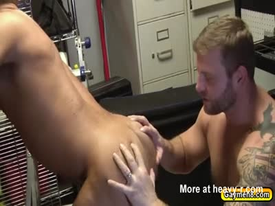 Rod blowjobs Colby and drop his pants