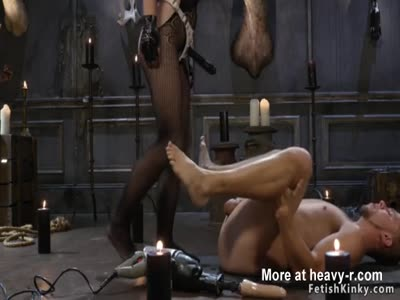 Brunette Domina Anal Bangs Male Slave
