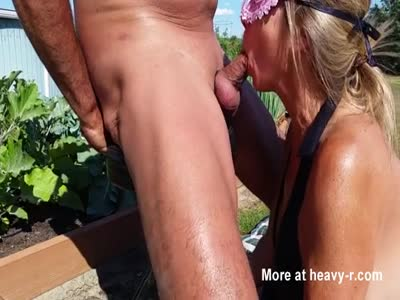 Wife great outside blowjob with cum in mouth