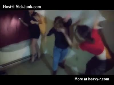 Two Girls Have A Brutal Fist Fight