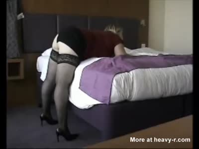 Hot Blonde Chick Gets Nice Doggy Pumping