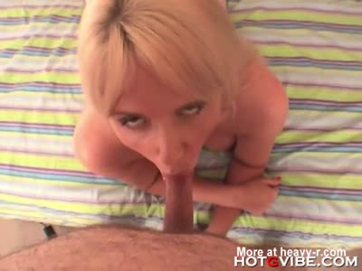 Chubby Mature Rips Nylons To Fuck Dildo