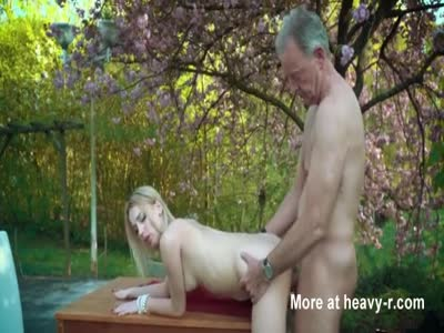Old man fucking hot blonde outdoors