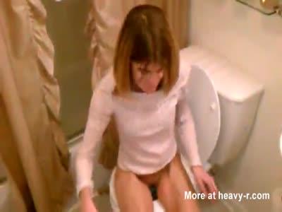 Skinny Wife Peeing