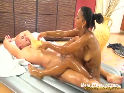 Chocolade Teen Slippery Nuru Massage