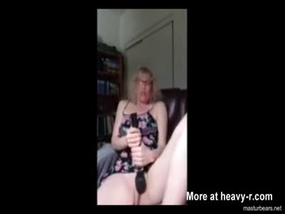Orgasm For Texan Mom