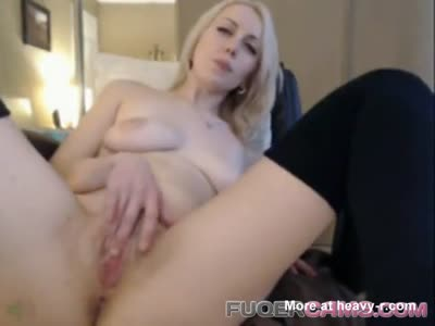 Sexy Blonde Keeps On Cuming