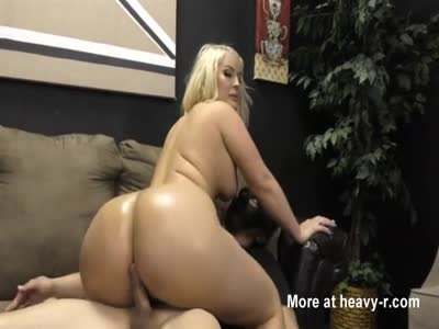 Phat Ass White Girl Riding Dick