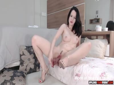 Dildoing Horny Pussy In Heels