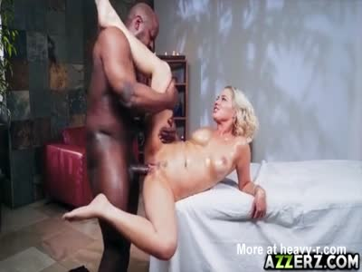 Jessica Ryan massage a monster black dick