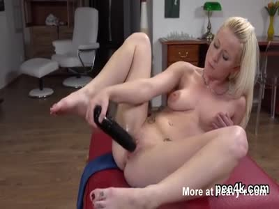 Glamorous Teen Toying Wet Pussy With Huge Toy