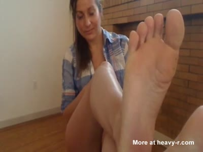 Milf With Sexy Toes