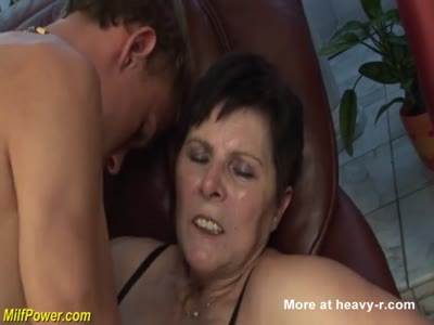 Deepthroat With Hairy Mature
