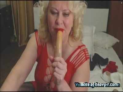 Blonde Granny Loves Dildo From Ass To Mouth