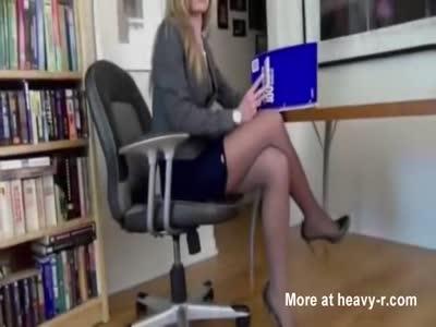 BEAUTIFUL LEGS -bycrisitalianslut
