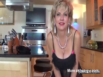 Unfaithful british milf lady sonia presents her large boobs