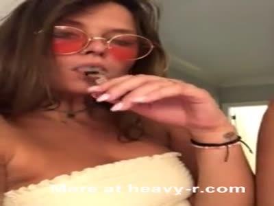 Hippie Flashing Tits
