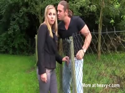 Amateur blonde girl fence fucked