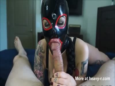 Big Lips Masked Babe Deepthroats Big Cock