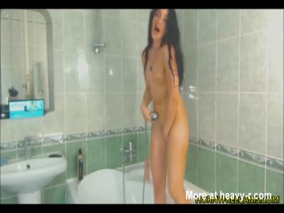 Dark Haired Beauty Masturbates In Shower