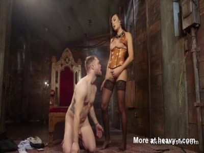 Dominant tranny makes slave cum