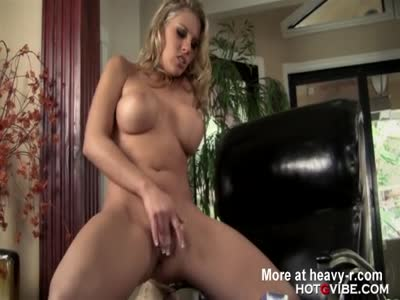Super Buxom Babe Has A Orgasm