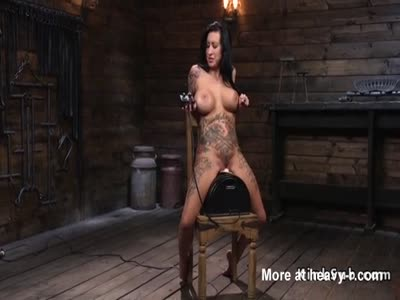 Huge Tits Alt Babe With Fucking Machine