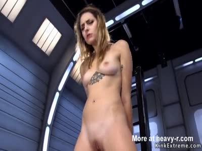 Brunette gets orgasm on fucking machine