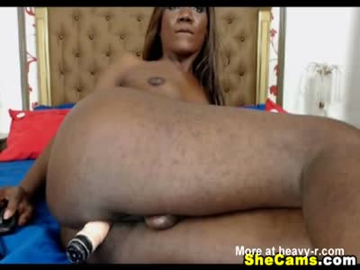 Ebony Shemale Sticks Big Dildo on Her Ass
