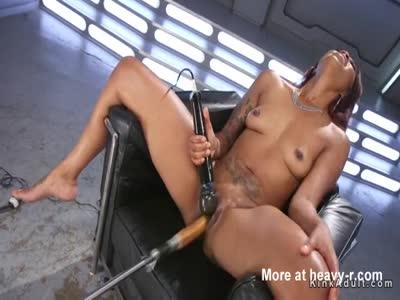 Fast fucking machine makes ebony squirts