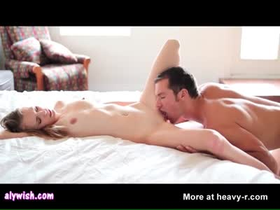 Pretty babe gets wet cunt licked