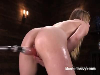 Babe Rides Fucking Machine