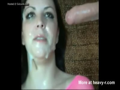 Cum Loving Slut Shows Her Blowjobb Skills