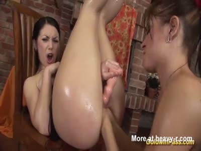 Bdsm girl spanking after pissing