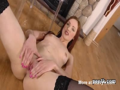 Kinky Redhead Pissing Herself