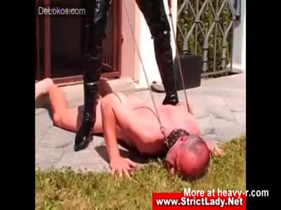 Mistress Whips The Shit Out Of Leashed Sub