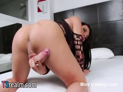 Latin Shemale Babe Ariane De Briho Masturbates