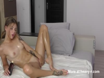 Hot Oiled Teen Body